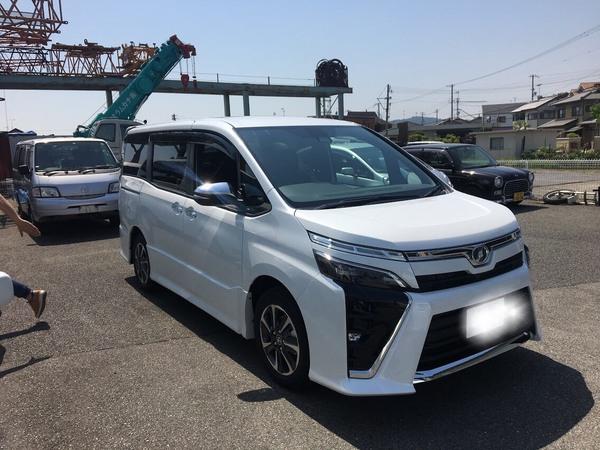 ✿姫路市F様 VOXY ZS煌 納車!