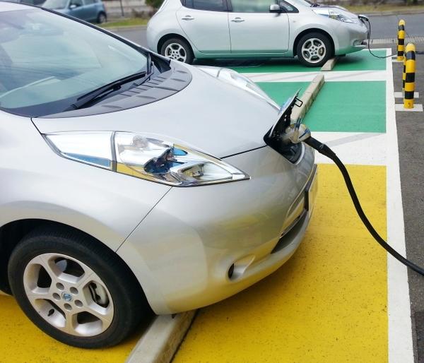 ✿2050年までに日本車を100%電動車に!